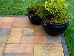Tuin Bestraten Goedkoop : Voorbeelden van bestrating voor een kleine tuin met simpele trucs